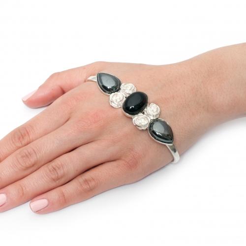 Haya Hand Cuff Hematite Onyx Silver