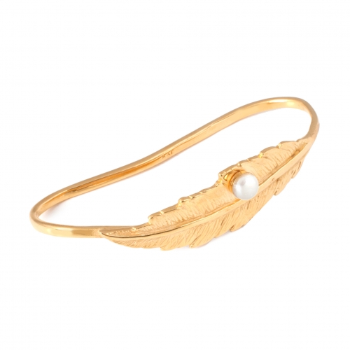 Feather Pearl Hand Cuff - Gold and White Pearl