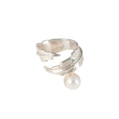 Feather Pearl Pinky Ring - Silver & White Pearl 3